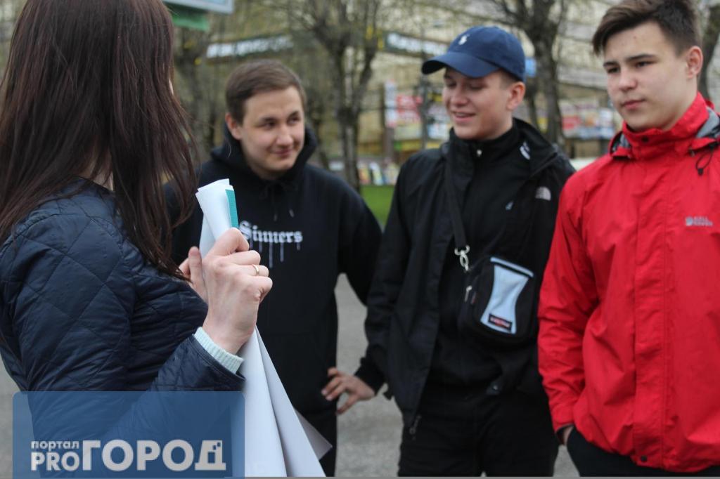 Гражданин Астрахани провел единый пикет против детского омбудсмена Кузнецовой