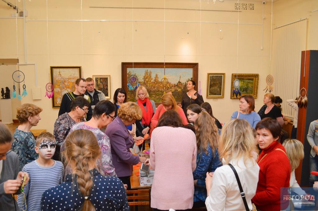 475841e1a788 Как сообщили организаторы «Ночи искусств», акцию посетили более 500 гостей.  Напомним, что в прошлом году это мероприятие было посвящено Году  российского ...