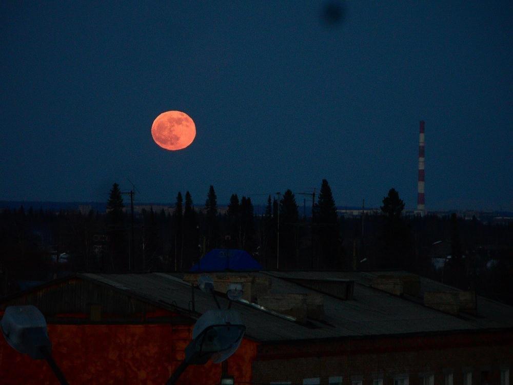 бывает ли красная луна фото пиксели это пиксели