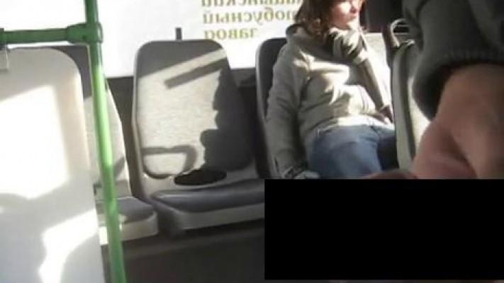 дрочка парней в автобусах - 11
