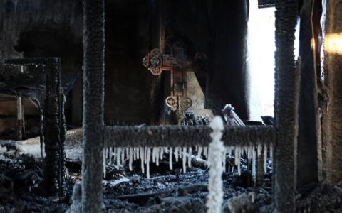 Жители Коми просят денег на восстановление сгоревшего храма Николая Чудотворца