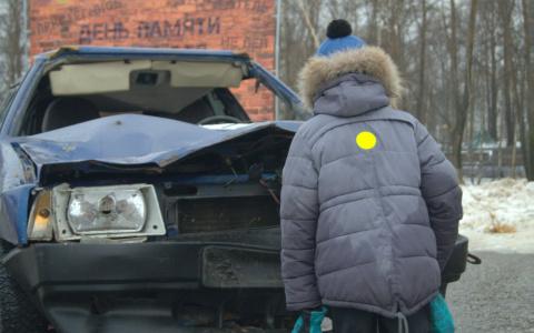 В центр Сыктывкара привезли разбитую «в хлам» машину, чтобы рассказать о жертвах ДТП (фото)