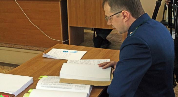 В Коми бывшего сотрудника ГИБДД осудили за превышение полномочий