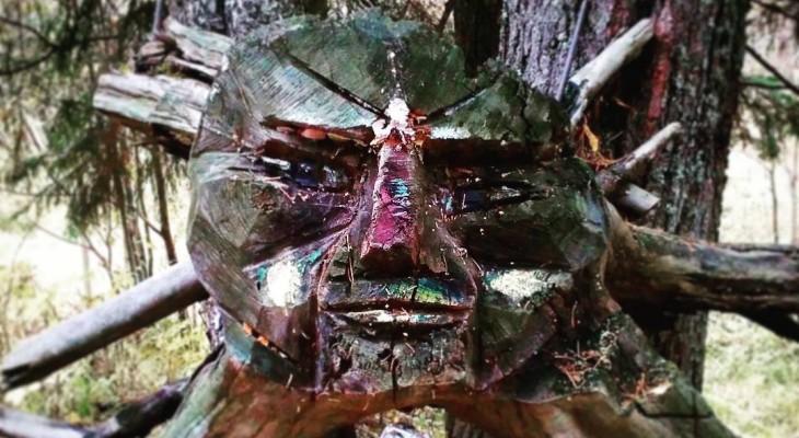 Сыктывкарское утро 26 сентября в Instagram: ритуальная маска в лесу и подъем в 5:30