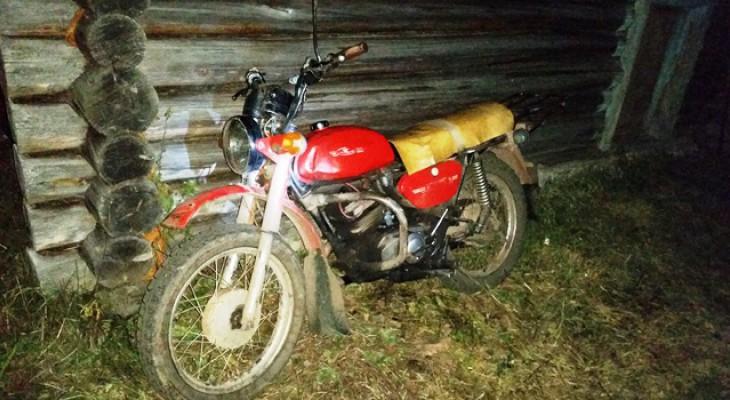 В Коми на мотоцикле перевернулся мужчина
