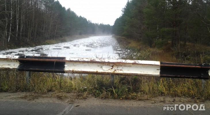 На реке под Сыктывкаром очевидцы заметили подозрительную пену