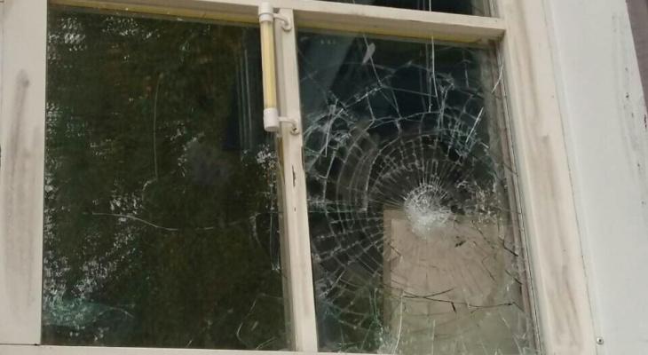 В Сыктывкаре неизвестный напал на церковь (фото)