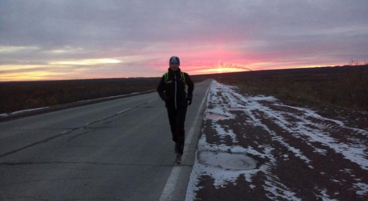 Житель Коми пробежал экстремальный марафон по тундре в темноте и одиночестве (видео)