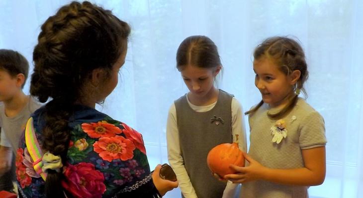 В сыктывкарской прогимназии №81  прошла ярмарка в поддержку  «Переломного момента»
