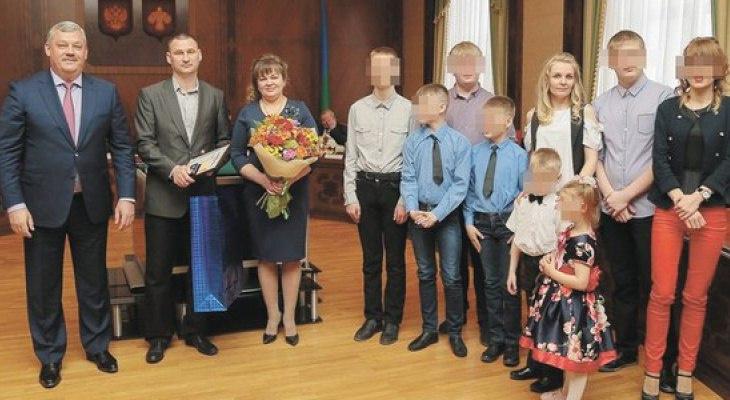 Семья, которую обидел подарок Главы Коми, получила сказочный новогодний подарок
