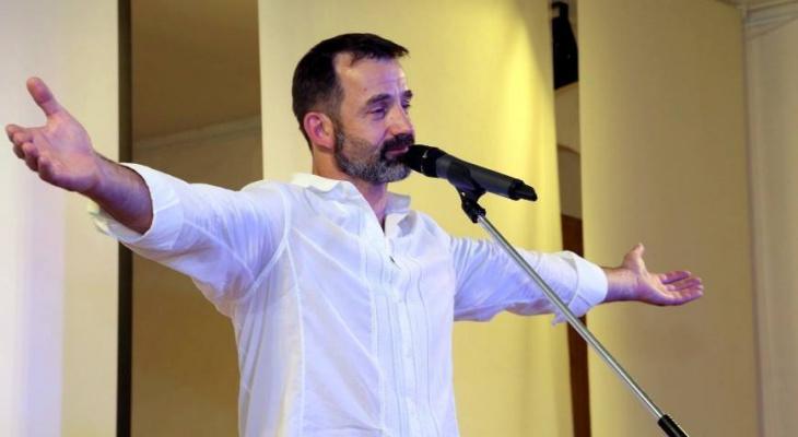 Актер Дмитрий Певцов приехал в один из детских домов Сыктывкара