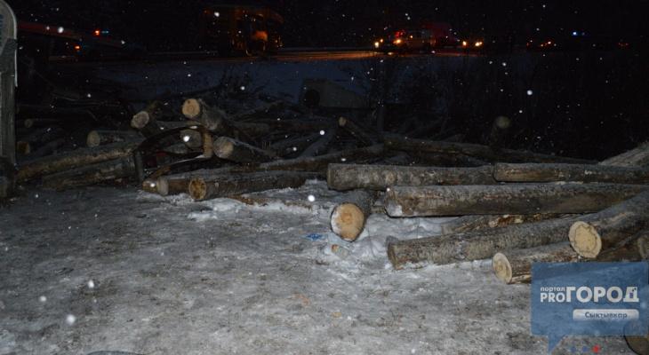 На трассе «Вятка» в Коми произошла жесткая авария с участием двух большегрузов