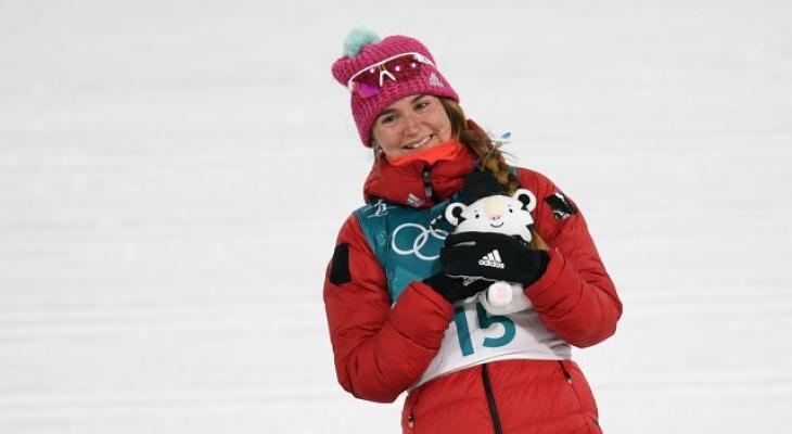 Крики и восхищение: ВИПы поздравляют лыжницу из Коми Юлию Белорукову с победой на Олимпиаде