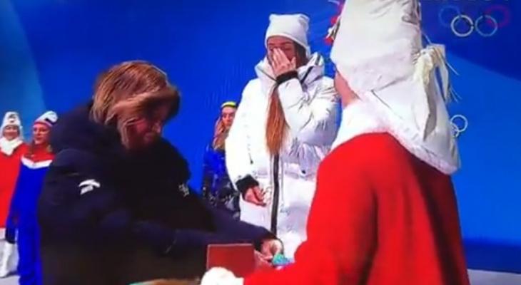Юлия Белорукова из Коми расплакалась, когда ей вручали олимпийскую медаль