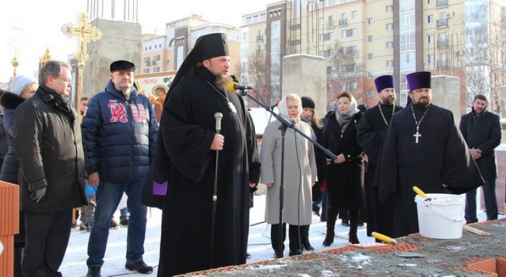 Архиепископ Питирим попросил сыктывкарцев пожертвовать несколько миллионов