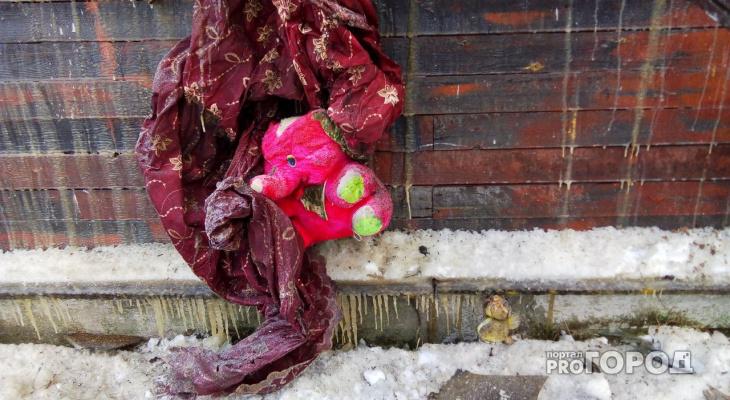 Сыктывкарка, которая лишилась в пожаре 5-летней дочки, просит о помощи