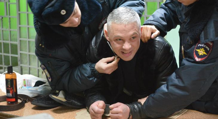 Полиция Сыктывкара задержала агрессивного преступника, который опасен для людей (видео)