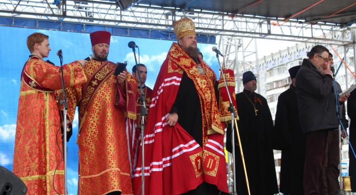 Архиепископ Питирим отдает всю пенсию на строительство звонницы в Сыктывкаре