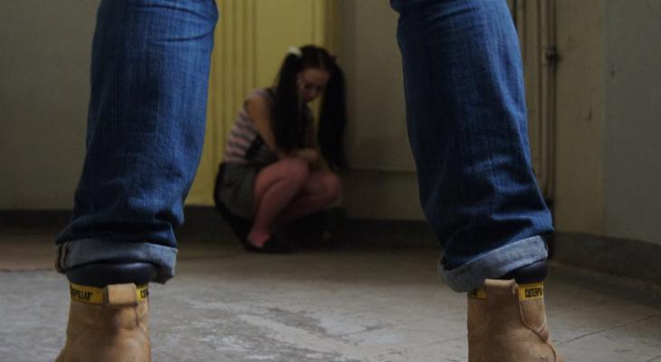 В Коми отец-педофил изнасиловал родную дочь