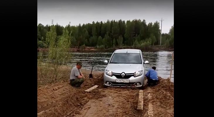 Жители села в Коми оказались отрезаны от мира после половодья (видео)