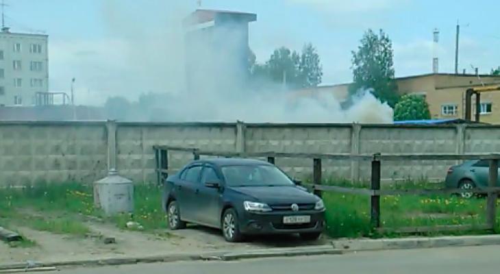Сыктывкарец утверждает, что МЧС травит жителей района дымом