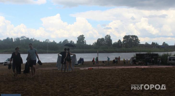 В Сыктывкаре мощный ливень сорвал фестиваль пляжного спорта (фото)
