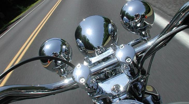 В Коми «десятка» выехала на «встречку» и сбила мотоцикл