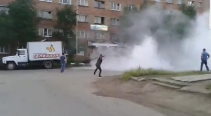 В Коми неизвестные устроили дикий погром в гостинице и избили людей (видео)