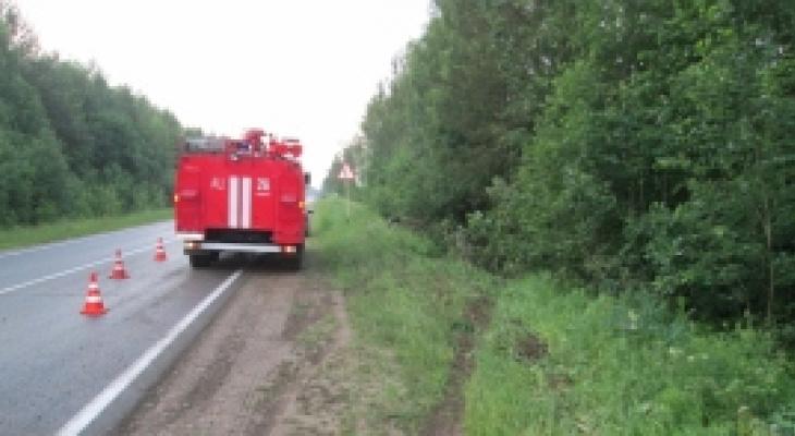 Медики рассказали о пострадавших в ДТП в Коми, где авто вылетело в кювет