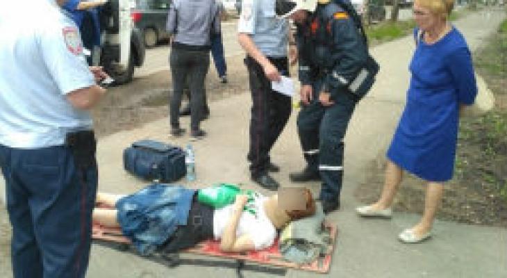 В Сыктывкаре «Шевроле» сбил 17-летнюю девушку возле ТЦ