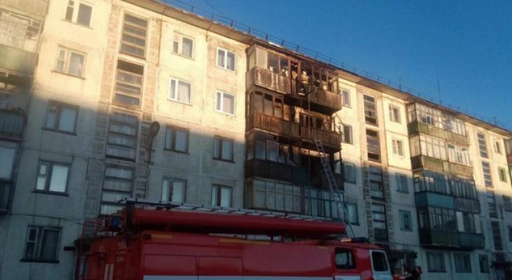 В Коми среди ночи вспыхнул пожар в пятиэтажке, жильцы задыхались в дыму