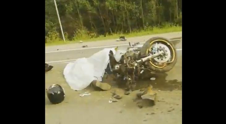 Под Сыктывкаром разбился мотоциклист (видео)