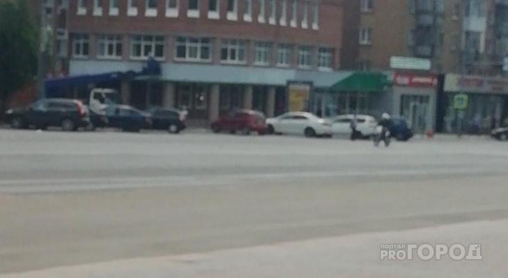Сыктывкарец: «По Коммунистической гоняет пьяный байкер прямо перед экипажем полиции»
