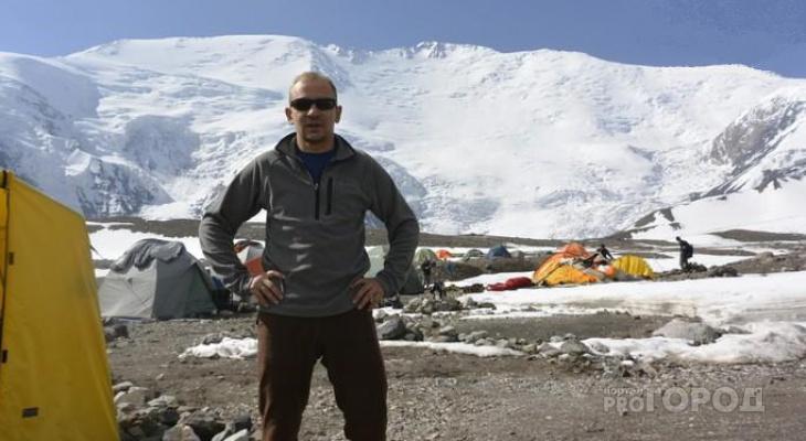 Многодетный отец из Сыктывкара забрался на гору высотой 7 134 метра
