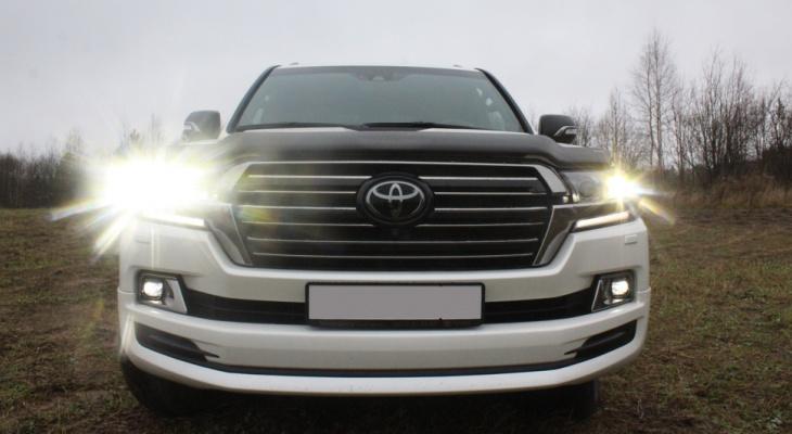 Тест-драйв Toyota в Сыктывкаре: элитный внедорожник преодолел глину, ледяной асфальт и бездорожье