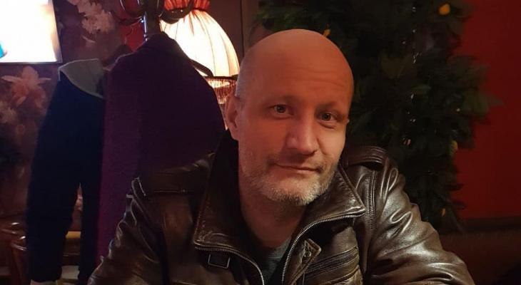 В Сыктывкаре из-за тяжелой болезни скончался известный тату-мастер