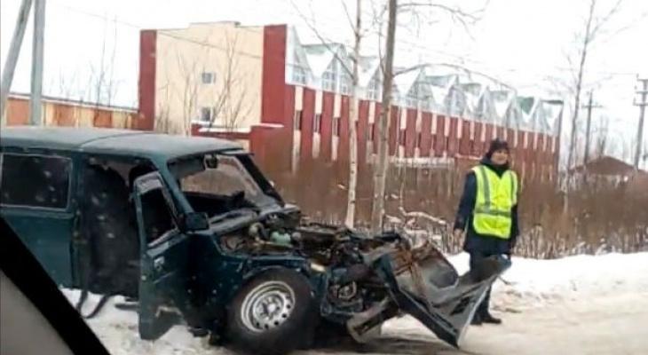 В Коми скончался водитель «Нивы», который въехал под «КамАз»