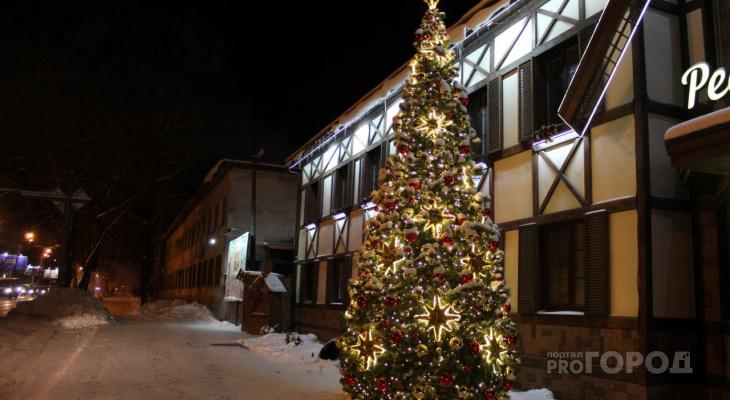 7 новогодних елок на улицах Сыктывкара, которые создают атмосферу праздника