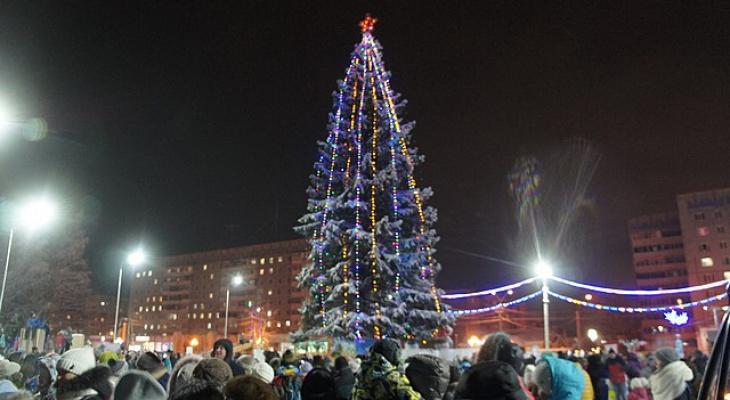 В Сыктывкаре открыли еще один новогодний городок (фото)