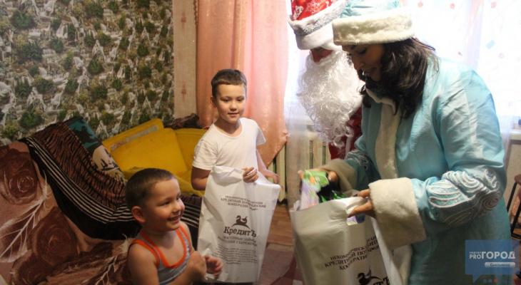 Дед Мороз и Снегурочка исполнили желания сыктывкарцев, которые отправили письма новогоднему волшебнику (фото)