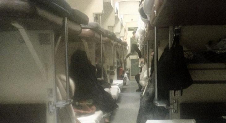 Жители Коми испугались лютого поезда: «Вагон так трясло, что пассажиры проснулись»