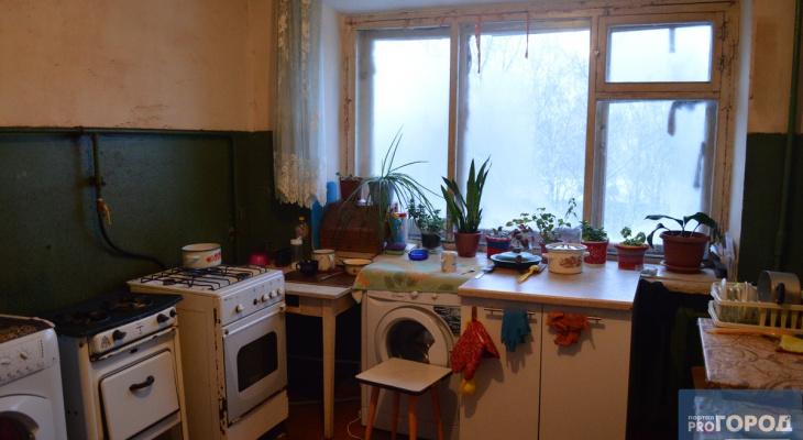 Жительница Коми поссорилась с подругой и десять раз ударила ее сковородкой