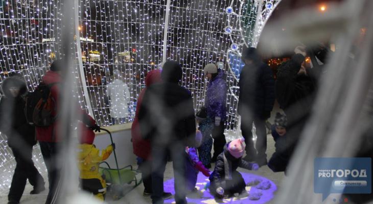 Выяснилось, когда в Сыктывкаре уберут новогодний шар