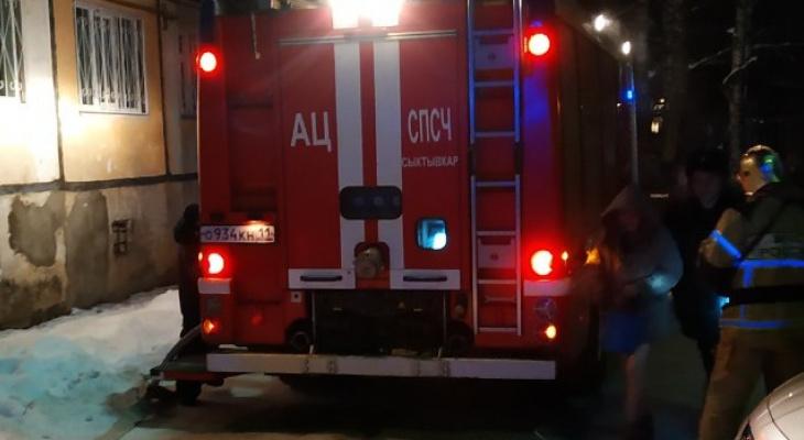 Сыктывкарка ищет офицера МЧС, который спас ей жизнь при пожаре