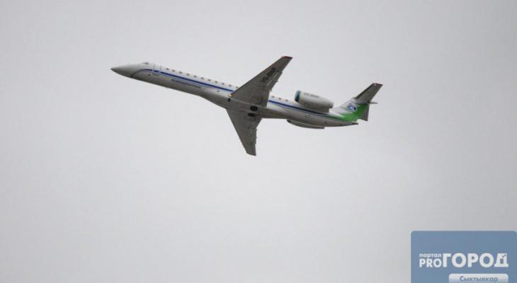 Стало известно, что произошло с самолетом, который совершил экстренную посадку в Сыктывкаре