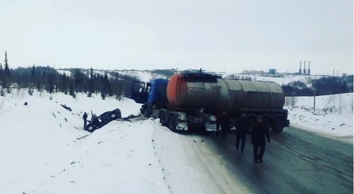 В Коми столкнулись бензовоз и «Ауди», два человека погибли