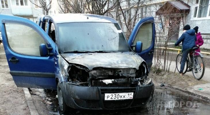 Сыктывкарец, у которого загорелась машина во дворе: «Я выбивал двери ногами, чтобы выбраться»