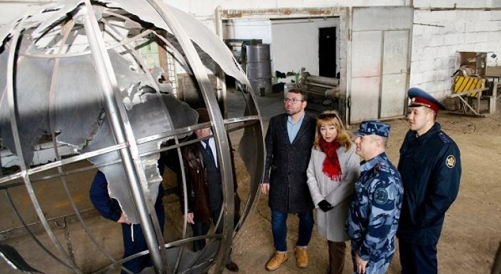 Осуждённые сделали гигантский глобус, который станет новым сыктывкарским арт-объектом (фото)