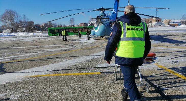 В Коми врачи кружили на вертолете над лесом, чтобы спасти больного