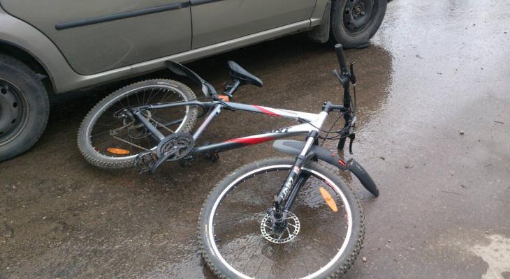 В Коми под колеса «Логана» попал велосипедист-подросток (фото)